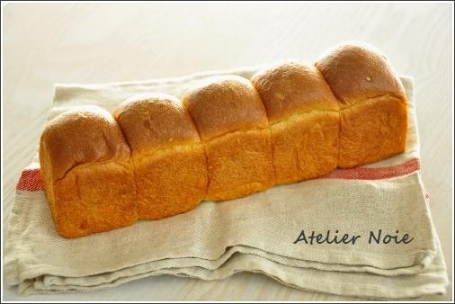 シードミックスの食パン.jpg